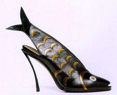 Fish shoe by Andre Perugia